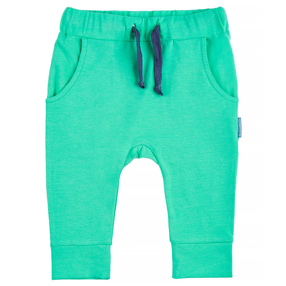 Бриджи KogankidsБрюки для мальчика. Модель имеет боковые и задние карманы. Пояс со шнурком, по низу - манжеты. Модное  конструктивное решение обеспечивает свободу движения.<br>Размер: 116, 122, 128, 80, 92; Цвет: Зелёный;